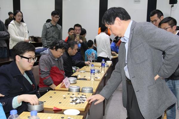 """南开大学举行""""弈""""校园时代围棋推广活动"""