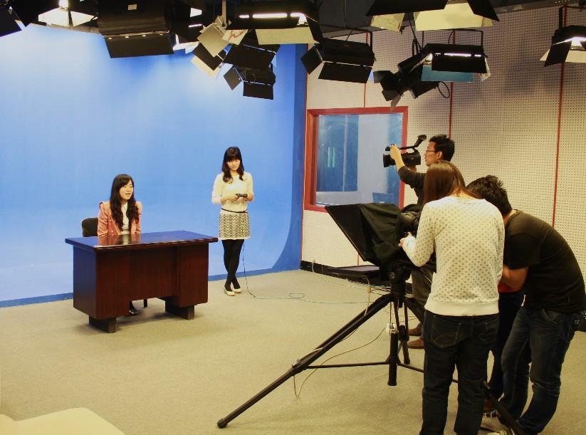 大专就能报考新闻学在职研究生?什么证书?