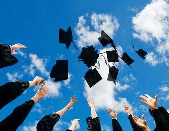 应用语言学在职研究生学位证好拿吗?