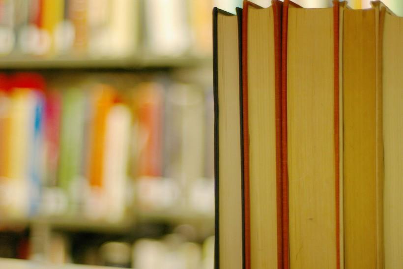 河海大学在职研究生在论文答辩时需要怎么做?