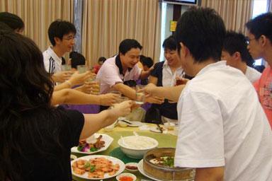 期末考试结束后聚餐活动——山东大学经济研究院