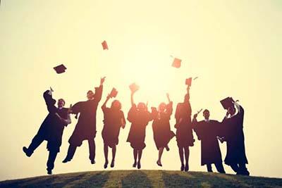 MBA学费一年多少钱?在职MBA比全日制含金量低吗?